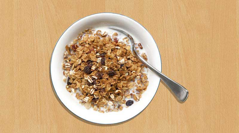 Whole grain breakfast cereal