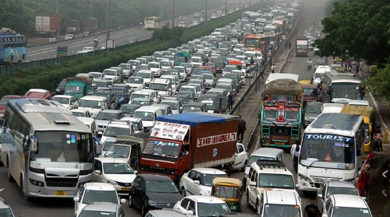 gurgaon faces heavy traffic jam