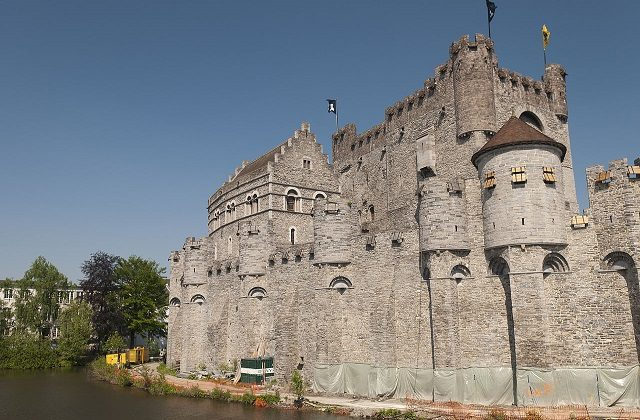 1280px-Ghent,_The_Gravensteen_castle_(5676871931)