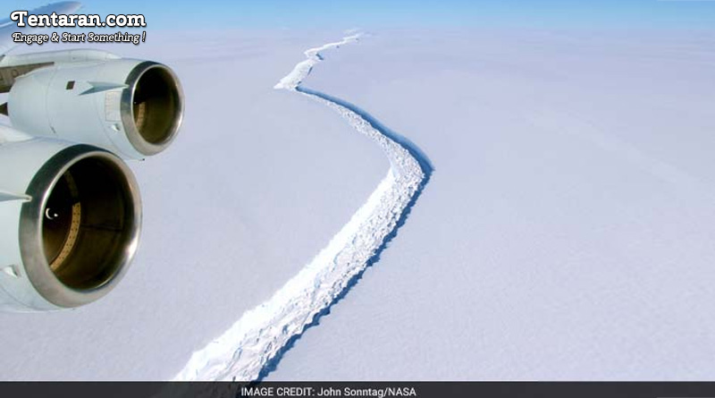Enormous Antarctic Ice Shelf Rift Grows By Another 6 Miles