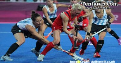 England Power to 5-2 Win over Argentina