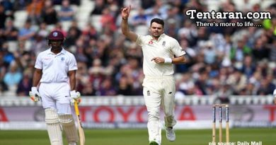 England Blow Away WI In First Day-Night Test